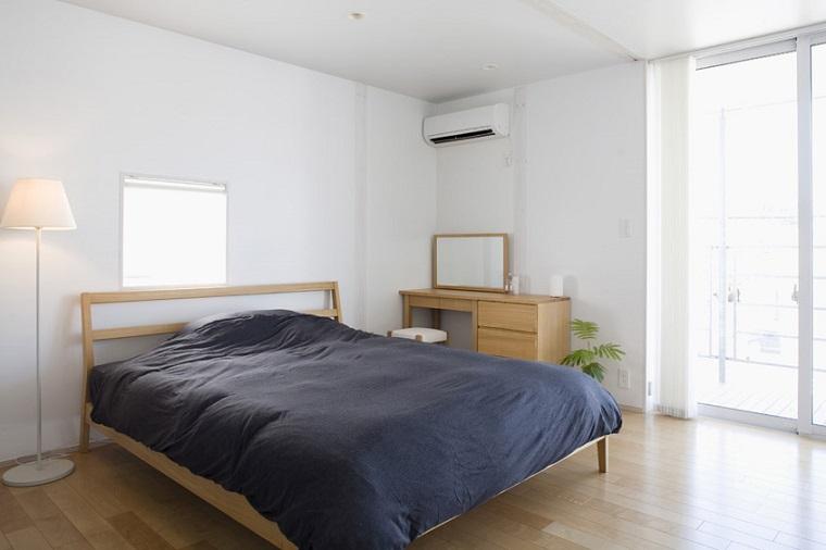 interiores minimalistas dormitorio lampara pie blanca ideas