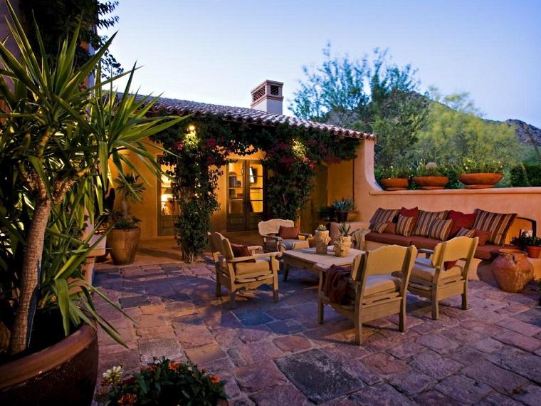 jardin amplio muebles teca descanso iluminado noche ideas