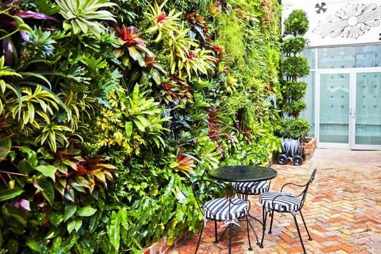 jardines diseño vertical forja sillas metal