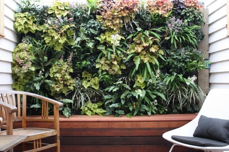 jardines diseño vertical madera sillas patio