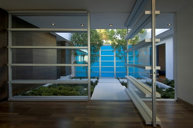 small gardens minimalist modern design
