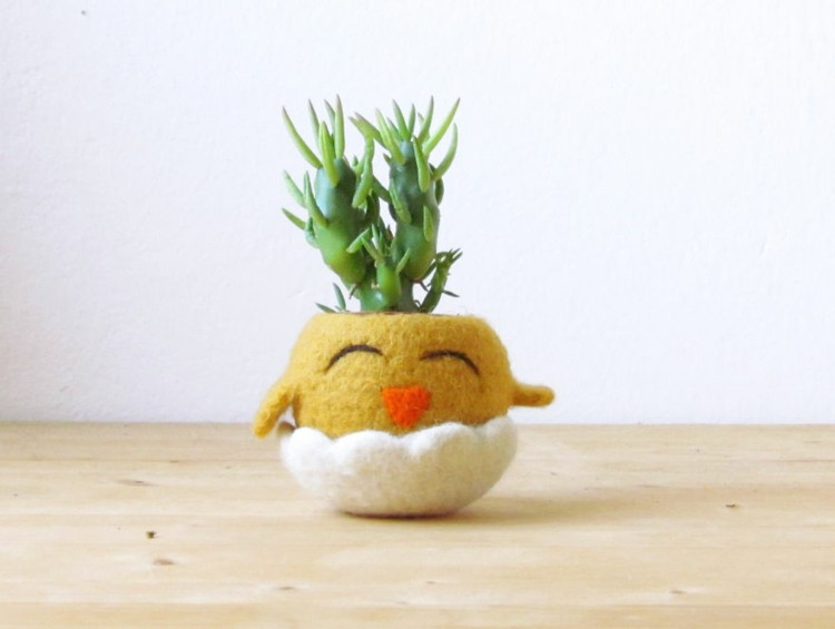 macetero diseño pollo amarillo