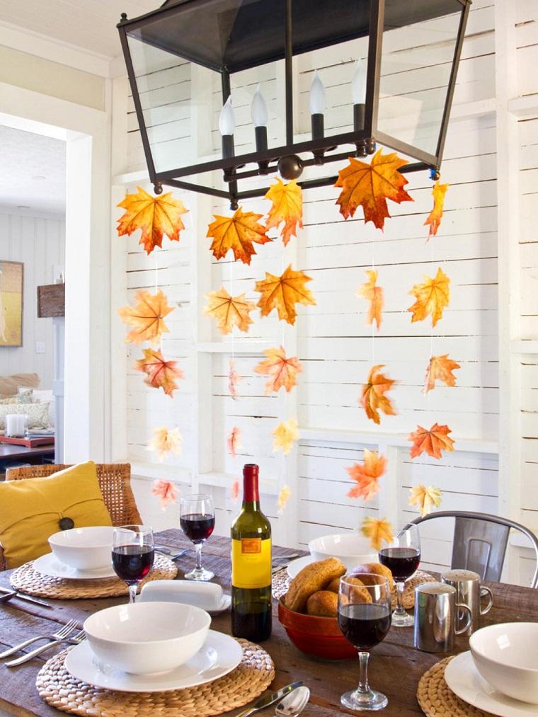 mesa decorada hojas otono colgando lampara ideas