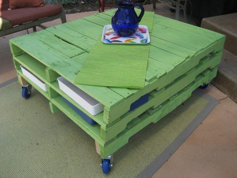 mesa pallet color verde ruedas