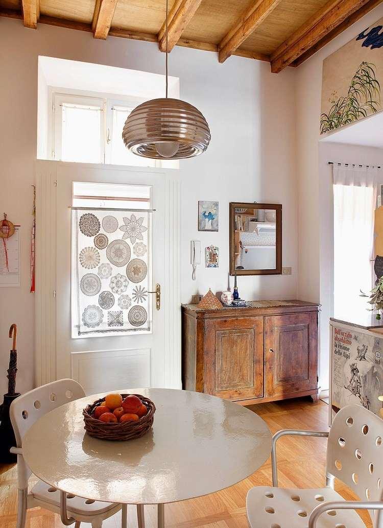 mesa sillas blancas estora puerta preciosa ideas