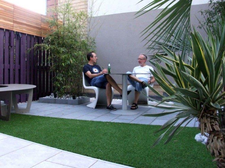 minimalista botella espacio jardin esquinas