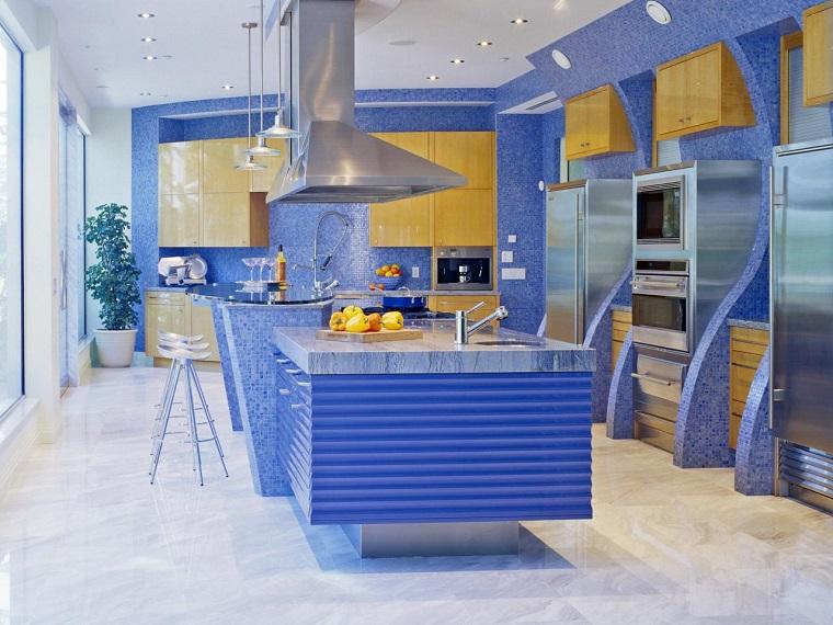mosaico azul cocina moderna isla amplia ideas