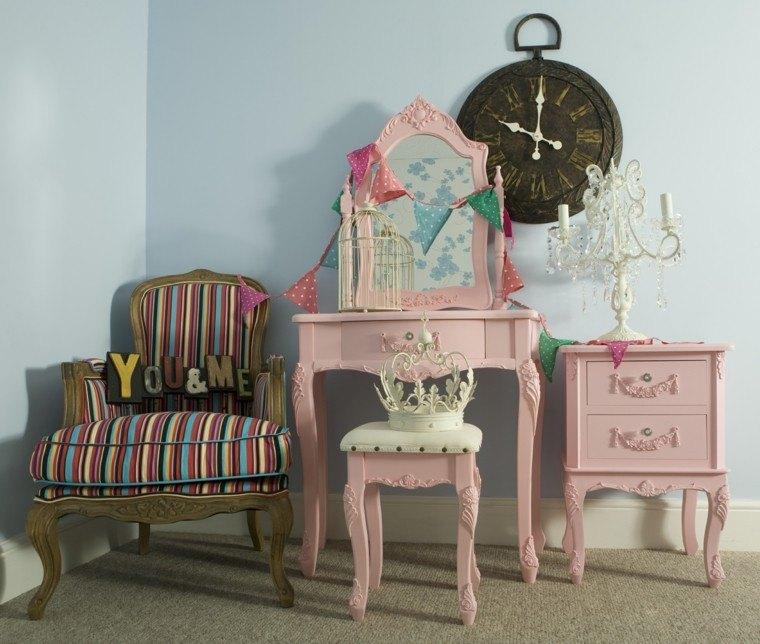 muebles estilo retro color rosa