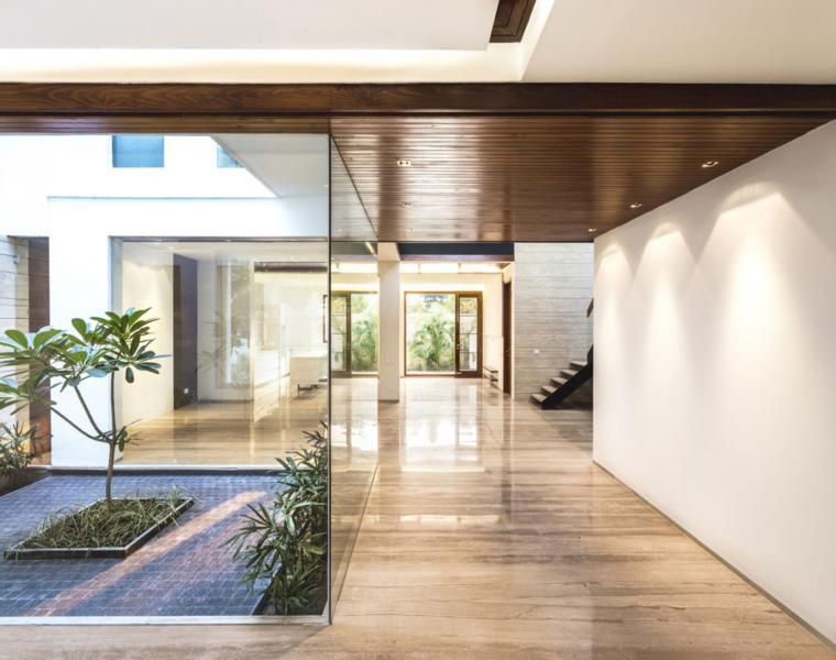 jardin interior expectacular en este dise ointerior de vivienda Bonito diseño de interior. View in gallery interiores lujosos