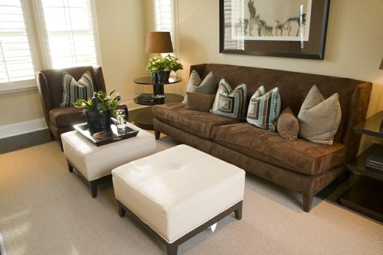 otomanas color blacas sofa marron cojines ideas
