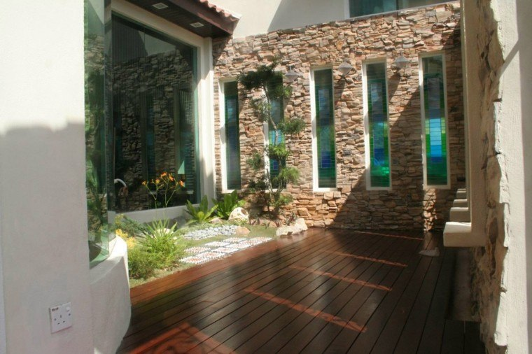 patios interiores bonito diseño madera