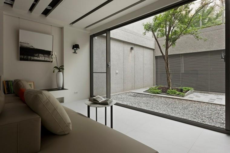 pequeño jardin estilo zen salon
