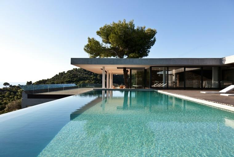 Piscina dise o de borde infinito 100 estilos alucinantes - Cristales para piscinas ...
