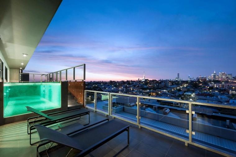 Decoracion terraza aticos dise os modernos de gran altura - Piscinas para terrazas aticos ...