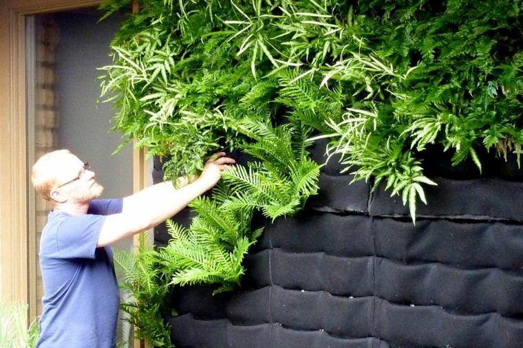 preparacion hombre patio espejuelos paredes