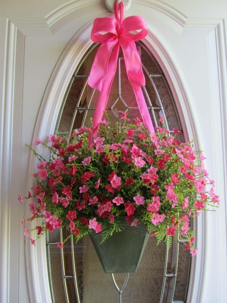 puerta blanco cristales cortinas rosa