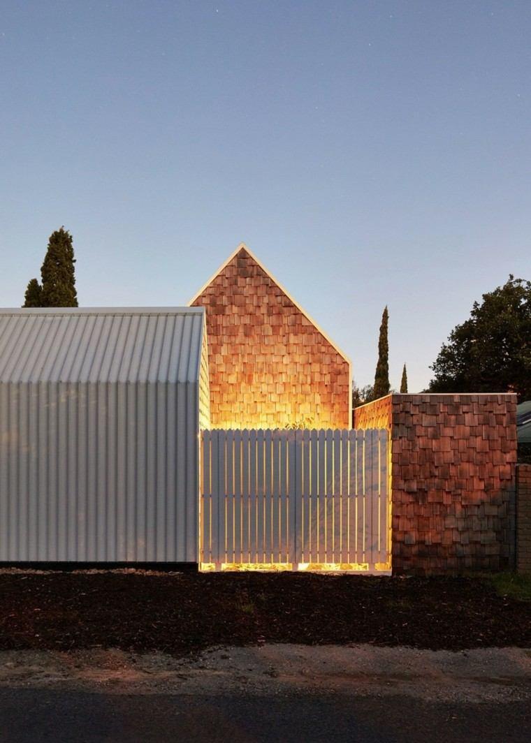 puerta metal blanca casa paredes exteriores interesantes ideas