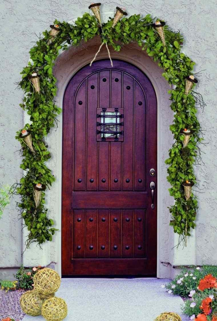 puertas decoracion arco campanas esferas