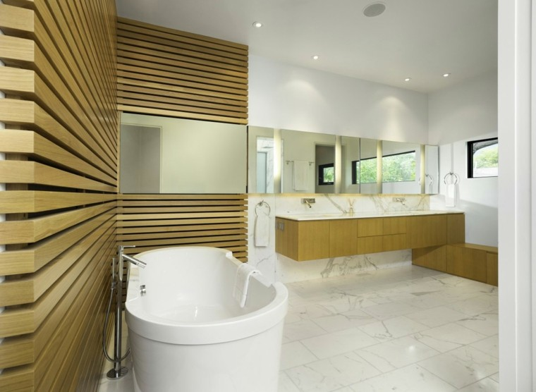 reformas de baños listones madera marmol