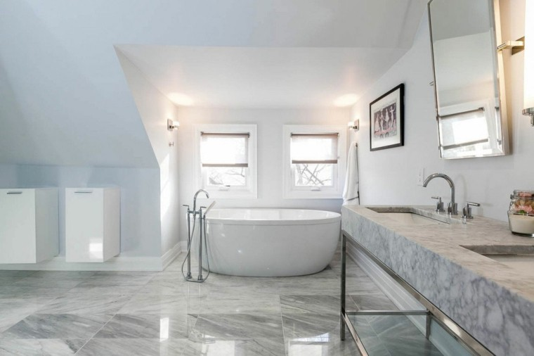 reformas de baños suelo marmol brillo