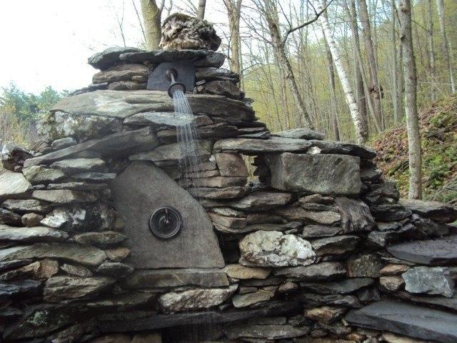 rocalla jardin ducha moderna piedras