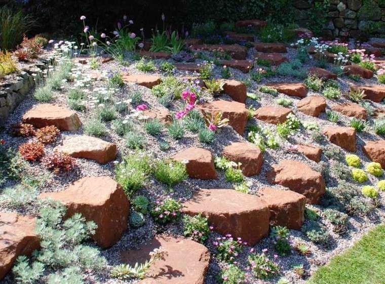 rojo rocas contraste pendiente jardineria