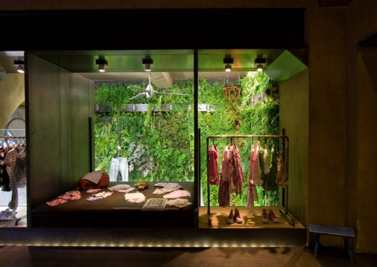 ropa tienda patio fondo luces
