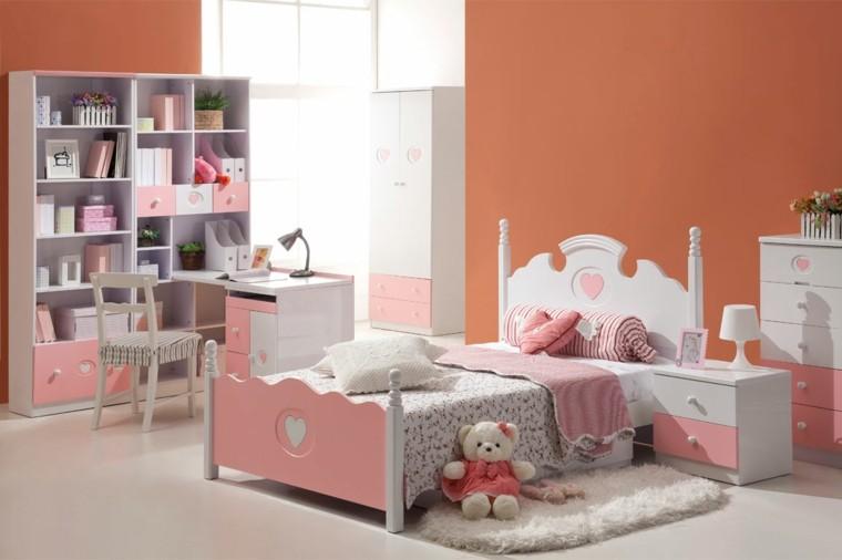 rosa naranja libros estantes juguetes