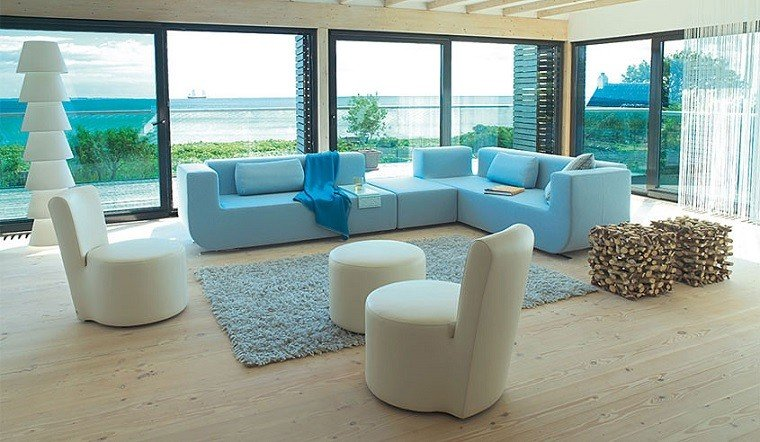 salon moderno mesas originales madera sofa azul ideas