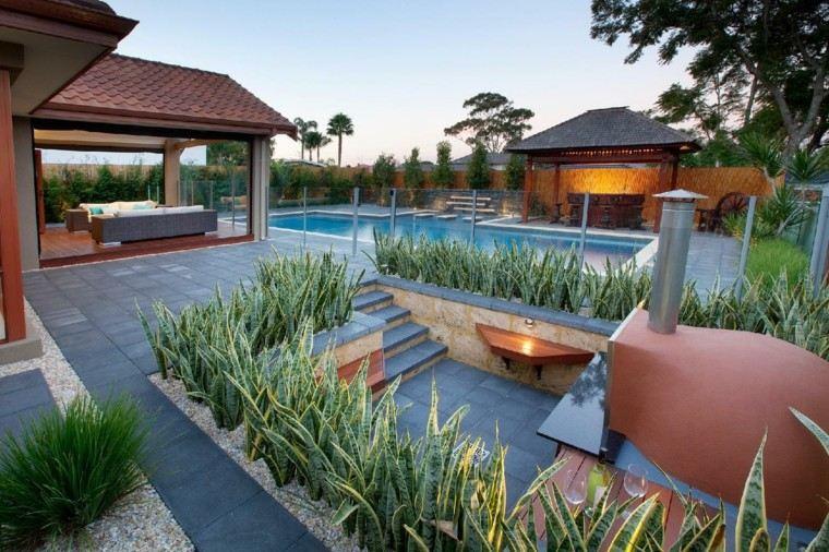 serpiente planta piscina casa moderna