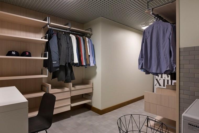silla madera apartamento camisas gorras