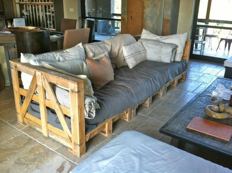 sofa grande DIY muebles palet