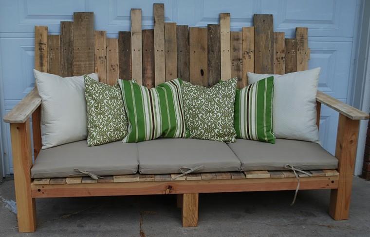 sofas exterior listones madera natural