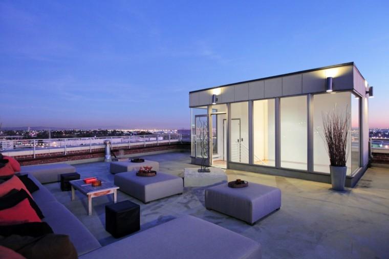 terraza atico cojines rojos