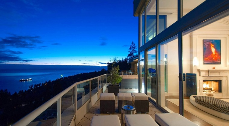 terraza moderna vistas mar tarde