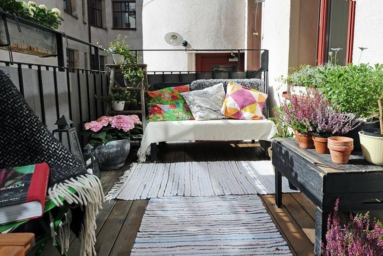 terraza pequena estilo escandinavo plantas macetas ideas