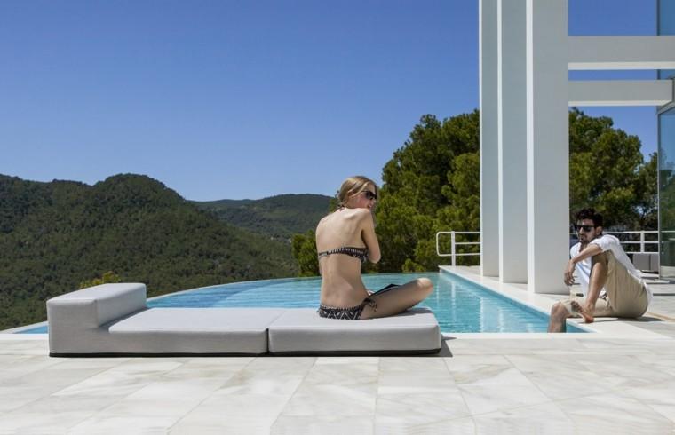 terrazas decoradas estilo minimalista tumbona piscina ideas