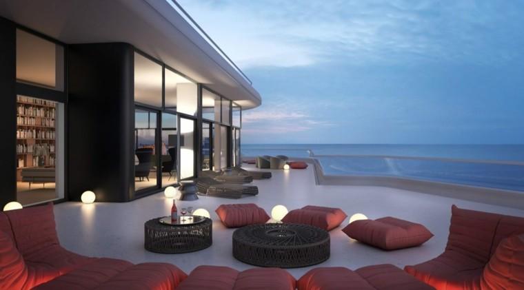 terrazas decoradas lamparas pequenas cojines rojos ideas