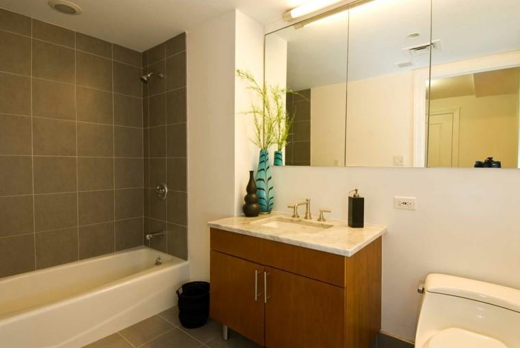 diseño tonos marrones baño moderno