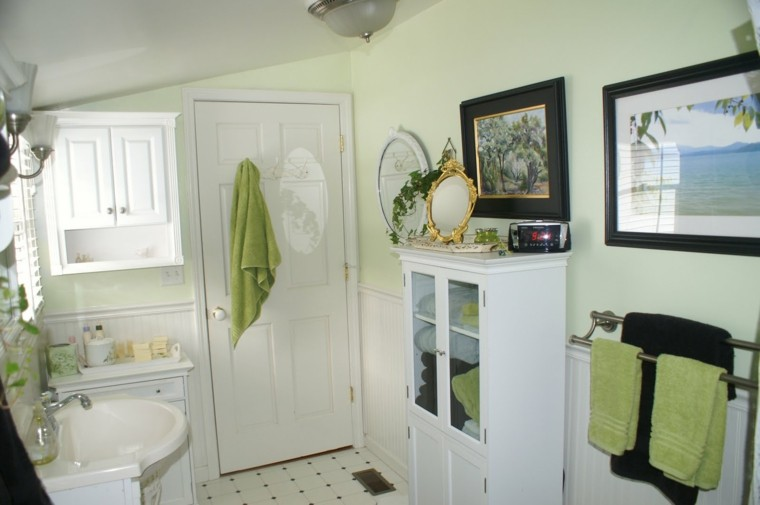 tradicional blanco verde estantes toallas