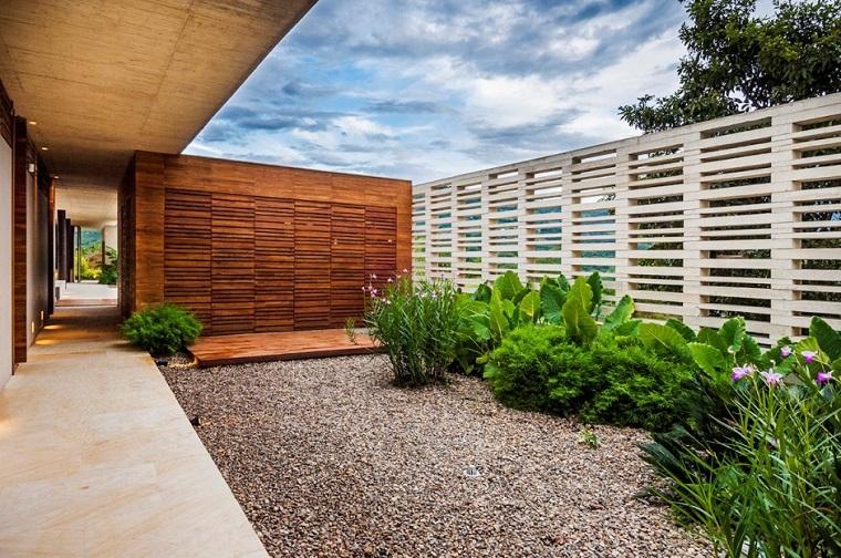 vallas madera preciosas jardin plantas piedras ideas