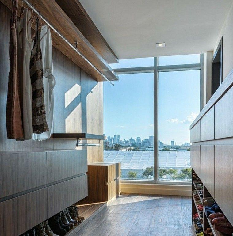 ventana iluminada espacio gavetero blusas