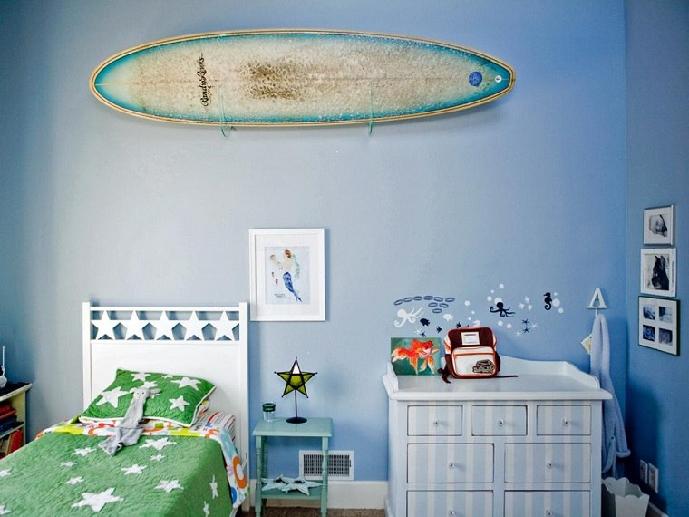 Tabla de surf para decorar la casa ideas muy originales for Decoracion de surf