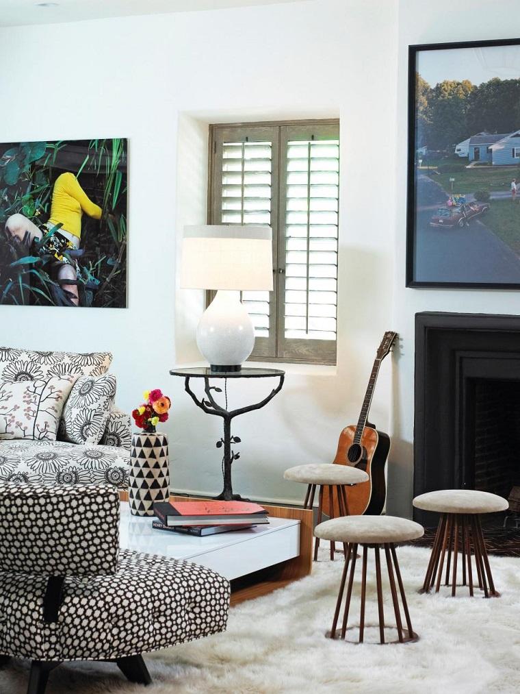 Lewin Wertheimer salon chimenea alfombra blanca taburetes ideas