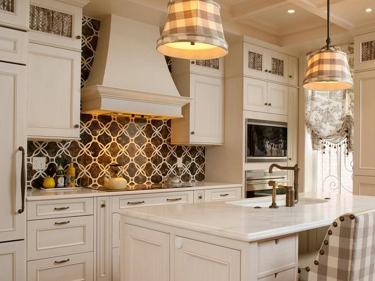Shazalynn Cavin Winfrey cocina muebles blancos paneles ideas