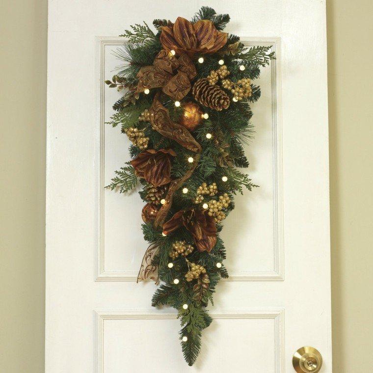 Manualidades para navidad cincuenta ideas originales - Adorno puerta navidad ...