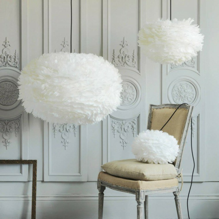 adornos bolas pluma blancas