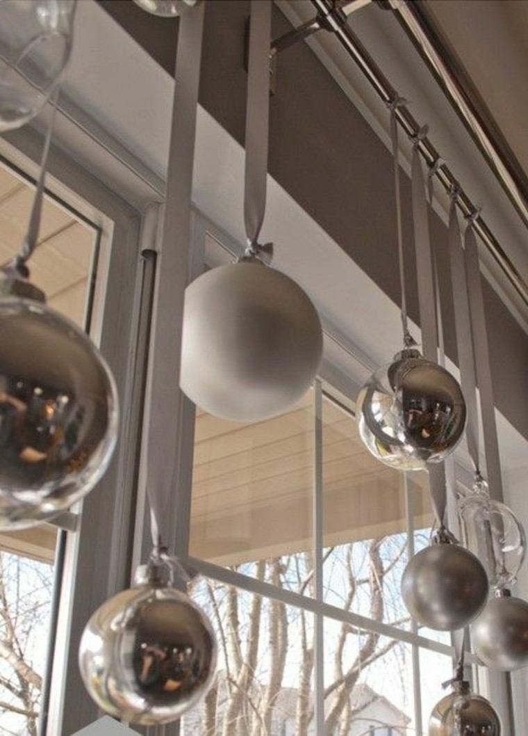 adornos de navidad esferas doradas grises