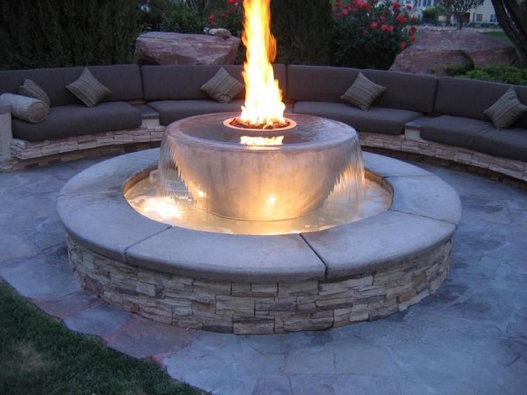 agua fuego jardin bancos cojines marron claro ideas