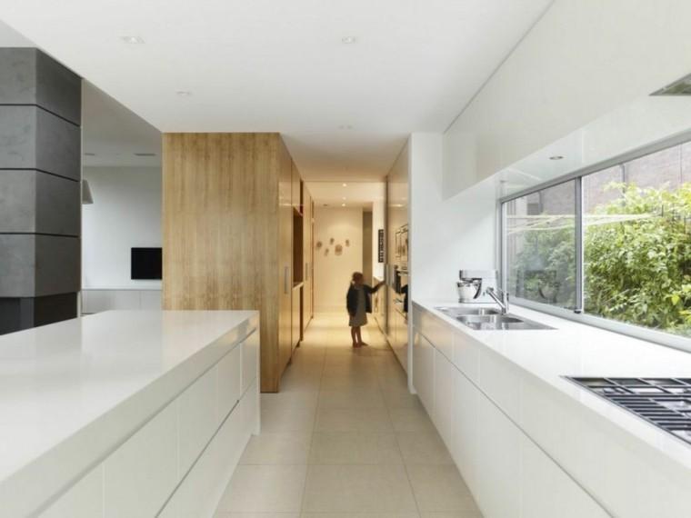 amplia alargada cocina estetica madera